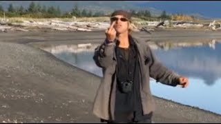Keeping up with Timothy Treadwell (The Grizzly Man) - Acompanhando Timothy Urso - Le Garçon Ours
