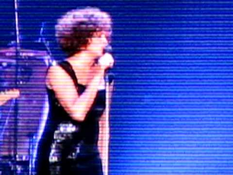 Whitney Houston - I will always love you (LIVE december 2009)