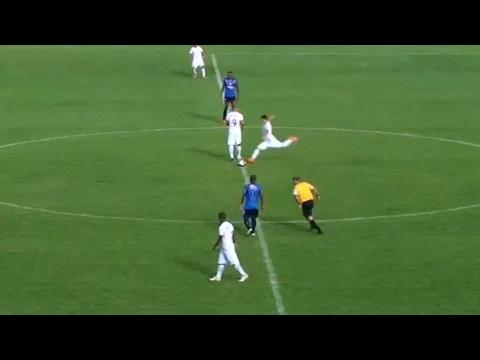 Gol Ajaib dari Tengah Lapangan Tercipta di Brasil