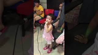 Amazing 2-year old Marion sings My Heart Will Go On