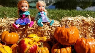 Thanksgiving 2019 ! Elsa & Anna toddlers - pumpkin patch field trip - Barbie - school