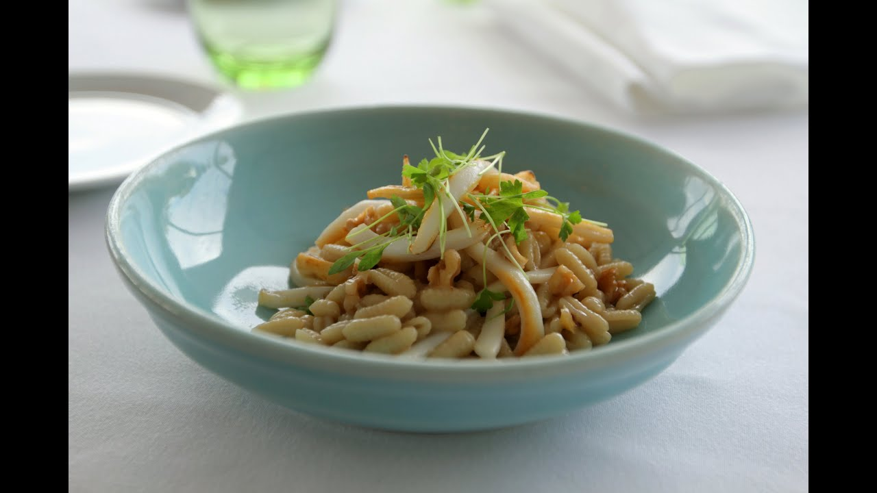 How to Make the Best Calamari Pasta with Toasted Walnuts