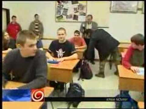 Náhlý zásah policistů ve škole