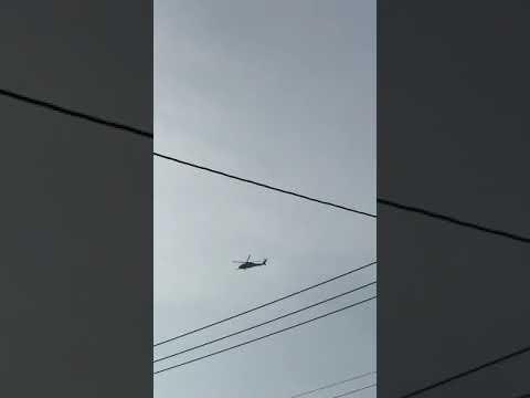 2019年9月16日午後4時56分嘉手納米軍基地。嘉手納町住民地域上空で違反飛行を繰り返す米軍ヘリ。危険極まりない、生活環境破壊、人権侵害だ!米軍は沖縄から出て行け!
