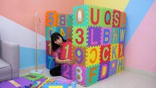 Xây Nhà Tí Hon Bằng 100 Tấm Xốp Học Bảng Chữ Cái ABC