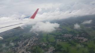 preview picture of video 'Latest  Landing nd takeoff from Srinagar to Delhi'