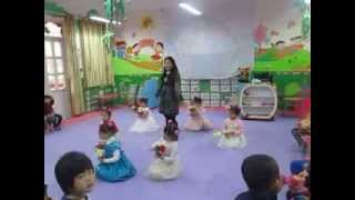 preview picture of video 'Dạy múa Đêm qua em mơ gặp Bác Hồ'