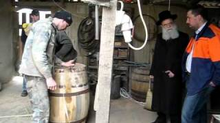 preview picture of video 'Kosher Certificate for Wine Barrels'