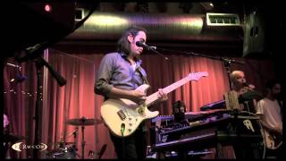 """thenewno2 performing """"Staring out to Sea"""" Live at KCRW's Apogee Sessions"""