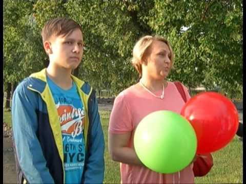 Жители Челябинска почтили память погибшего школьника из Каслей