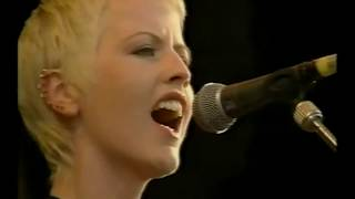 Put Me Down (Remastered Sound & Upgraded Video, Live Fleadh Festival, 6/11/94, acoustic)