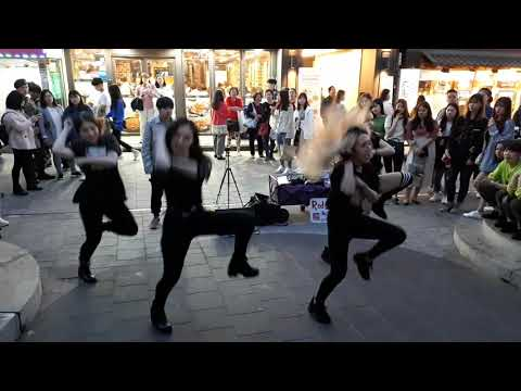 PSY 'NEW FACE' COVER. AMAZING ARTISTIC GIRLS, MESMERIZING PERFORMANCE. LUCKY AUDIENCE.