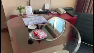 Uno strano gadget nella stanza d'hotel in Cina
