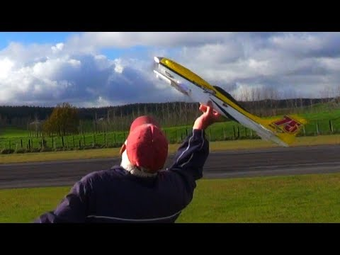 testpilot-tim-has-his-ailerons-backwards-again