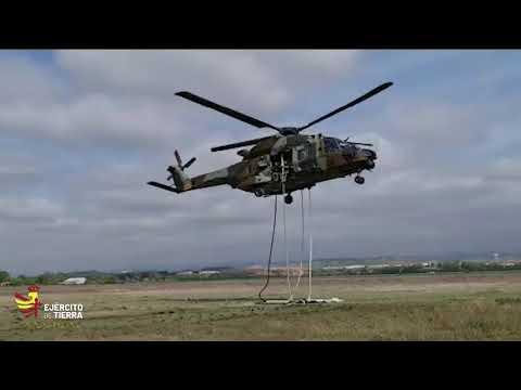 Ejercicio fast rope realizado en un NH90 del Ejército de Tierra