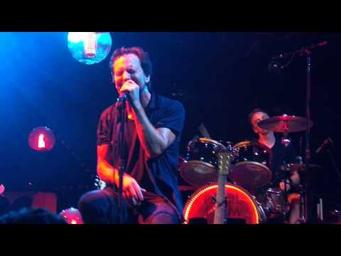 Pearl Jam - Parachutes - London, ON (July 16, 2013)