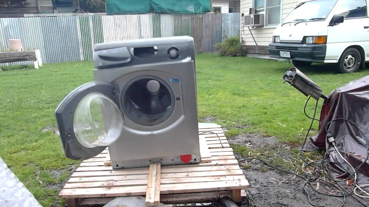 Watching A Washing Machine Self-Destruct Never Gets Old