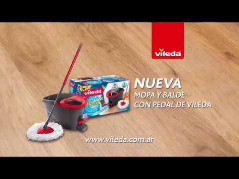 Nueva Mopa con microfibra y balde con pedal