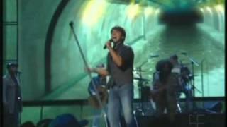 luis fonsi llueve por dentro live premios juventud 2009