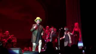 """Boy George - """"These Boots Are Made for Walkin'"""" (Nancy Sinatra cover) Live 05/28/16 Bethlehem"""