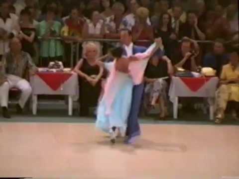 Preview video Fabio e Simona - Classic show dance Cervia 1994