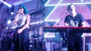 Sheppard Performing On My Way Live In Adelaide 23022019