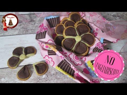 Biscotti Bicolori a forma di fiore Senza Cutter - Festa della Mamma