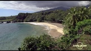 preview picture of video 'Five unique beaches in Maui, Hawaii - Lonely Planet travel video'