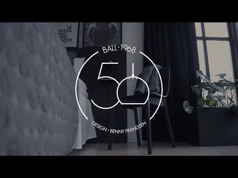 Se video om Frandsen Ball Væglampe med USB