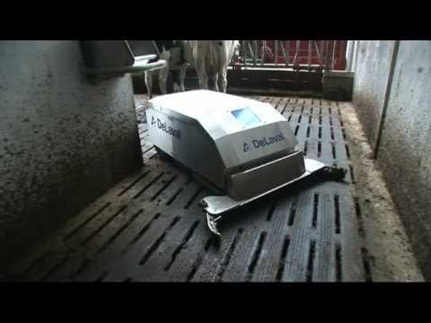DeLaval Gjødselrobot - film på YouTube
