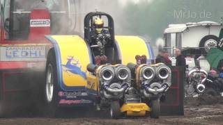preview picture of video 'Double D (NL) Tractor Pulling Füchtorf 2014'
