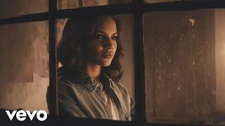 Leslie Grace - Cómo Duele el Silencio (Official Music Video)