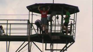 preview picture of video 'Kristin's Bungee Jump'