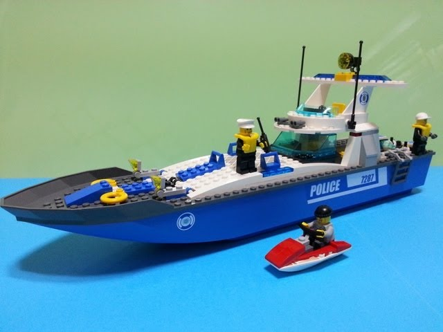 Lego 7287 Police Boat Build Review