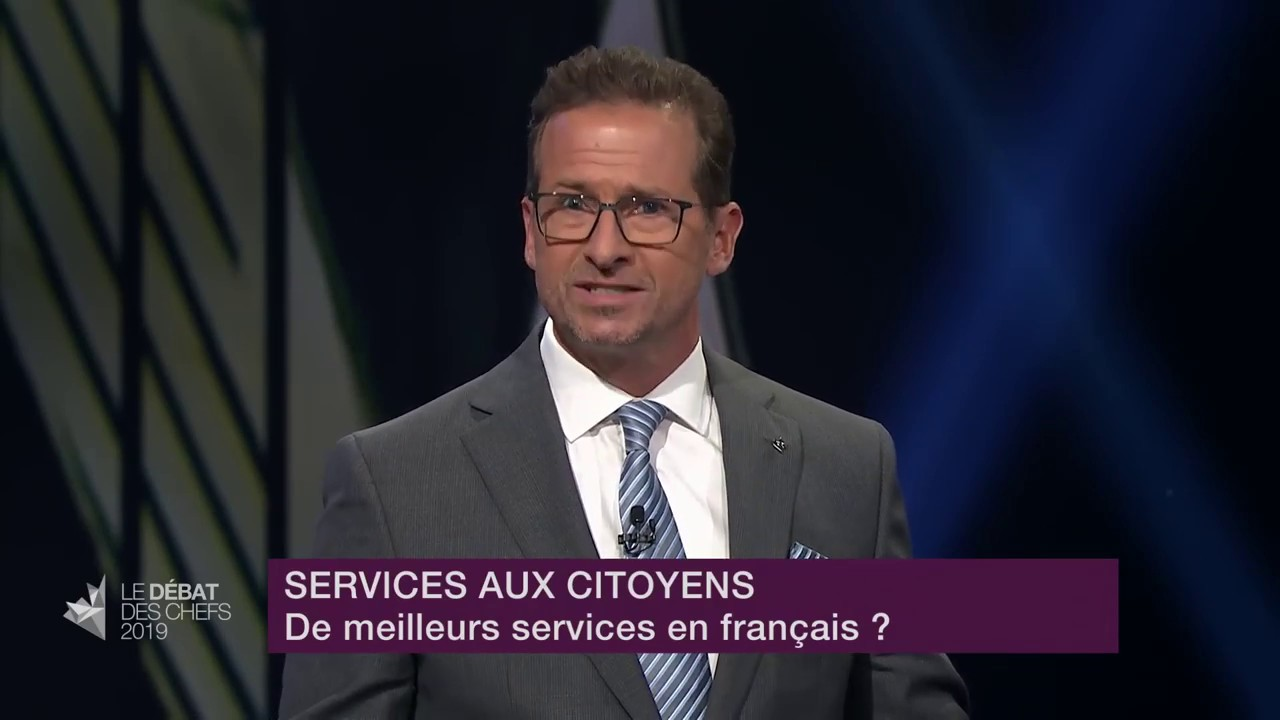 Yves-François Blanchet answers a question about services in French