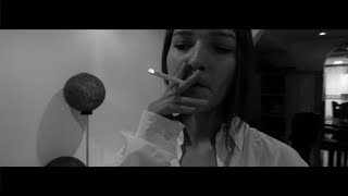 Gambar cover M-Triplesiete Ft. Merser - Vacía (Video Oficial)