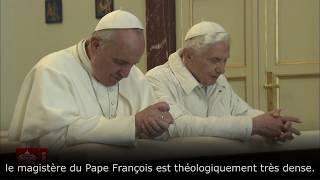 Mgr Vigano évoque le lien théologique entre Benoît XVI et le Pape François