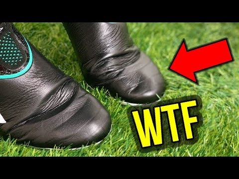 THE WORLD'S FIRST LACELESS LEATHER FOOTBALL BOOTS!