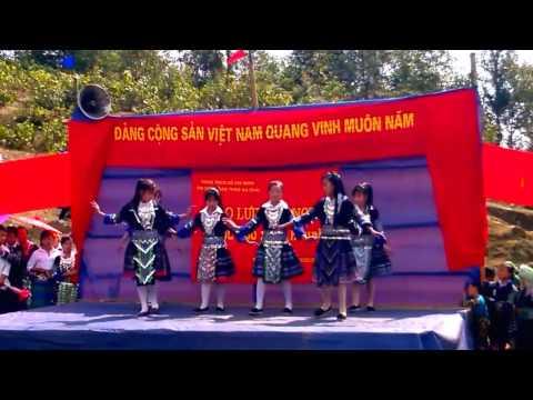 Hluag nkauj hmoob VietNam 2017- Noj peb caug lom zem