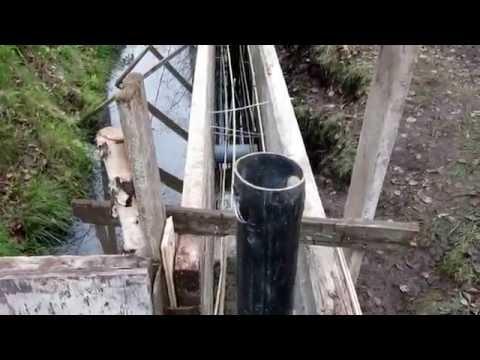 Забор на болотистой почве своими руками 1 часть  Фундамент  Колонны