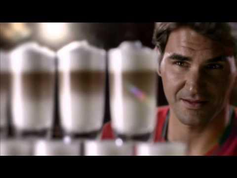 Jura Werbung mit Tennislegende   Bild aus Kaffeetassen   Tennisplatz  Werbung 2012