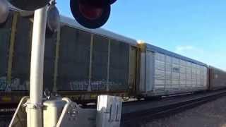 preview picture of video 'Passage à niveau / Railroad crossing - Kingman Arizona #2'