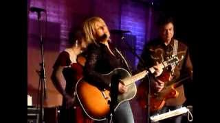 Lucinda Williams - Make The World Go Away