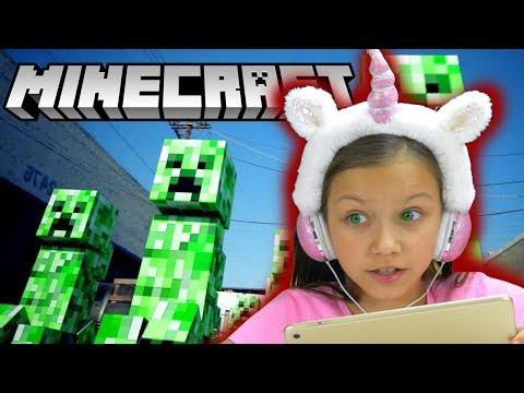 СПАСАЕМ КОТЯТ в Minecraft Строю 400 ЭТАЖНЫЙ Дом летсплей VIki Show