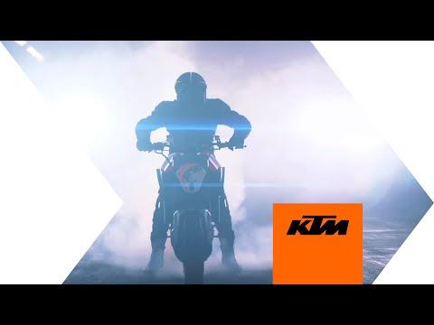 KTM presents the 1290 SUPER DUKE R Prototype | KTM
