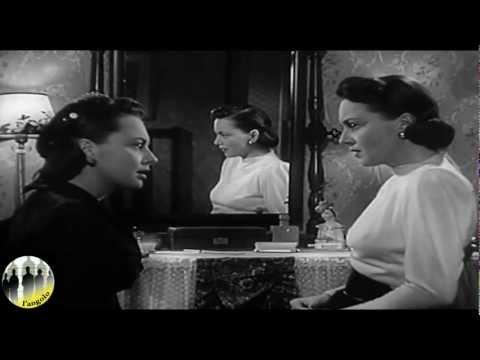 Cinema specchio specchio delle mie brame for Lo specchio scuro