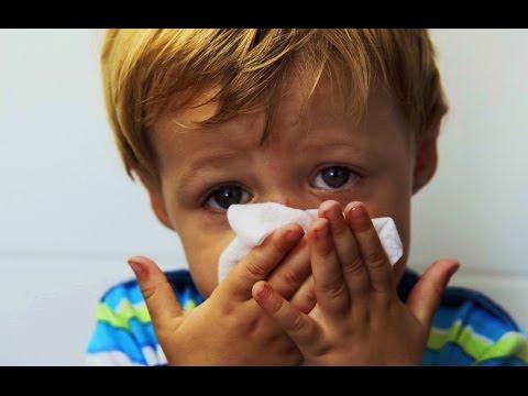 Как вылечить насморк ребенку в домашних условиях народными средствами