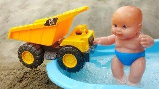 Ô tô tải, xe ủi cùng em bé đi tắm xà phòng #2 - đồ chơi trẻ em G276P Bé Cá