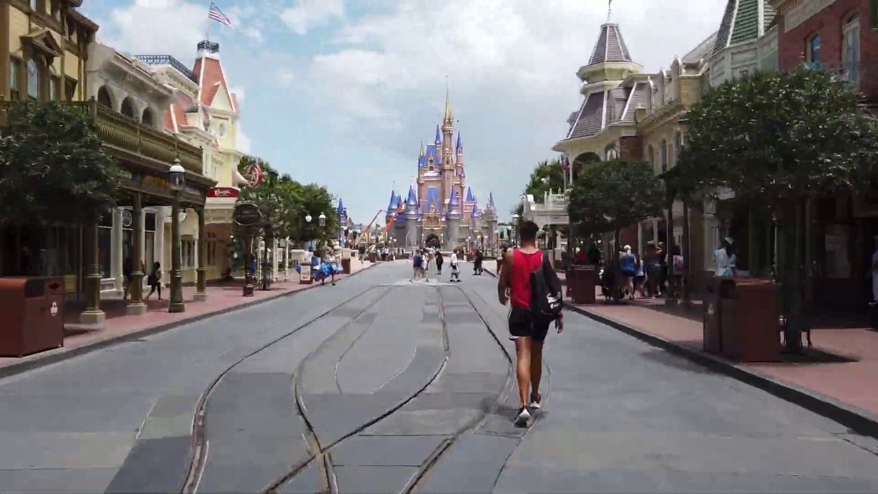 Magic Kingdom Main Street U.S.A. in 10 seconds
