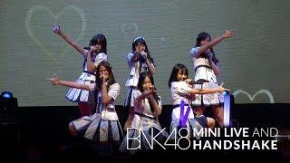 Gambar cover 「Oogoe Diamond –ก็ชอบ ให้รู้ว่าชอบ–」from BNK48 Mini Live and Handshake / BNK48